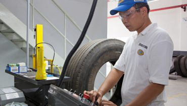 Công nghệ lốp dán Bridgestone Bandag tới Việt Nam